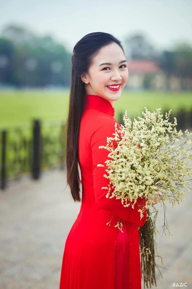 Hot girl 'Banh duc co xuong' Ha Anh tai xuat sau khi sinh con dau long hinh anh 13