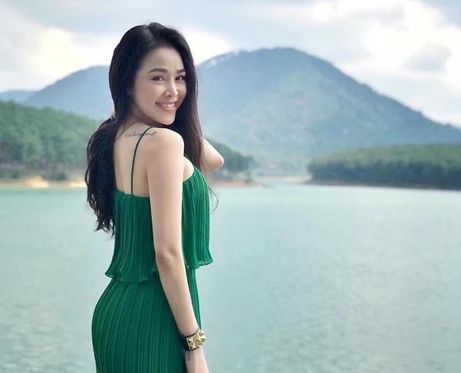 Ban gai Dung 'Ve nha di con' la hot girl phong gym co vong 3 'boc lua' hinh anh 3