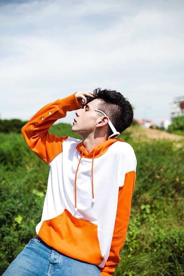 Chang trai mang 5 dong mau: 'Minh la con lai, lai la LGBT nen bi ghet' hinh anh 10