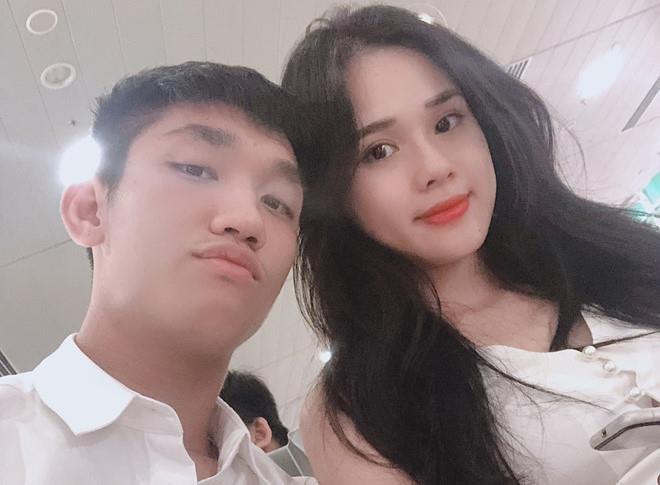 Van Lam, Van Thanh, Trong Dai va cac cau thu co moi tinh 'chi - em' hinh anh 4