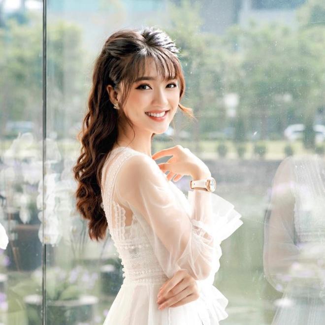 Van Lam, Van Thanh, Trong Dai va cac cau thu co moi tinh 'chi - em' hinh anh 17