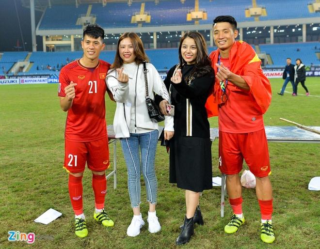 Van Lam, Van Thanh, Trong Dai va cac cau thu co moi tinh 'chi - em' hinh anh 7
