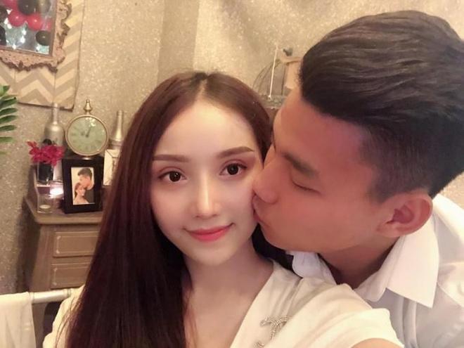 Van Lam, Van Thanh, Trong Dai va cac cau thu co moi tinh 'chi - em' hinh anh 1