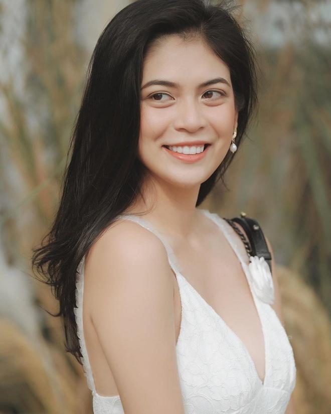 Hot girl Sai Gon 'nhu chi em sinh doi' voi Lee 'Tinh yeu khong co loi' hinh anh 4