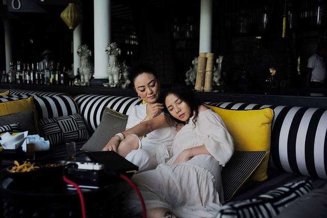 con gai PGS Van Nhu Cuong co bau anh 3