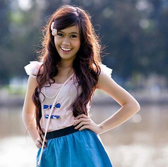 Hot girl Viet hoi moi noi: Ai cung theo style diu dang 'banh beo' hinh anh 16
