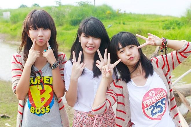 Hot girl Viet hoi moi noi: Ai cung theo style diu dang 'banh beo' hinh anh 3