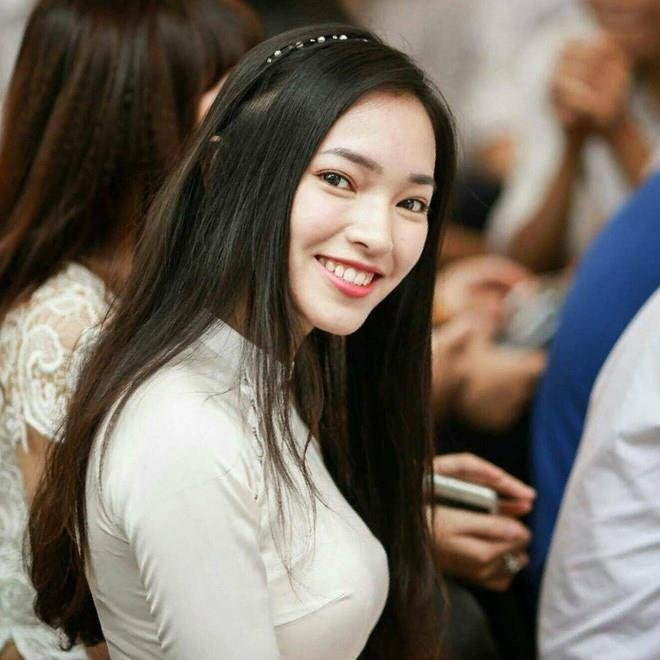 Hot girl Viet hoi moi noi: Ai cung theo style diu dang 'banh beo' hinh anh 13
