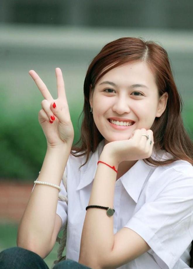 Hot girl Viet hoi moi noi: Ai cung theo style diu dang 'banh beo' hinh anh 6