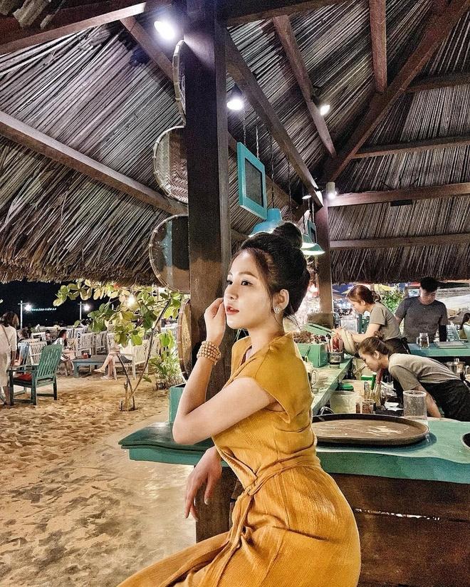 Hot girl Tram Anh noi 'xin loi me ve moi thu' tren trang ca nhan hinh anh 2