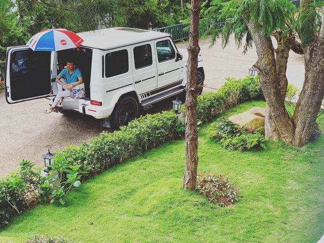 Minh Nhựa mang xe sang lên Đà Lạt phục vụ con gái chụp ảnh cưới