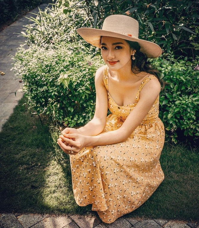 Hot girl xu Nghe: Ban gai cau thu, MC, ca si du ca hinh anh 4