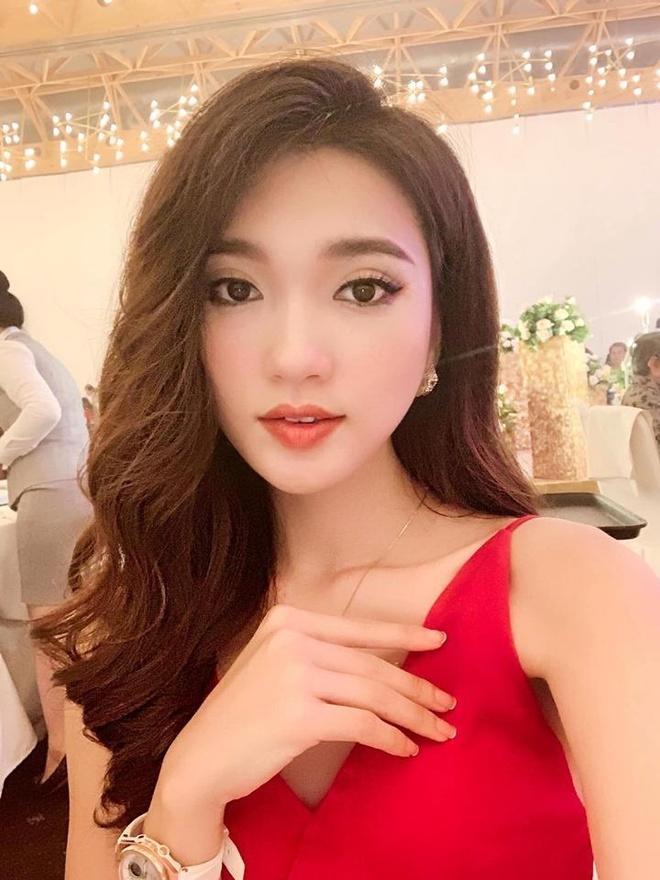 Hot girl xu Nghe: Ban gai cau thu, MC, ca si du ca hinh anh 5