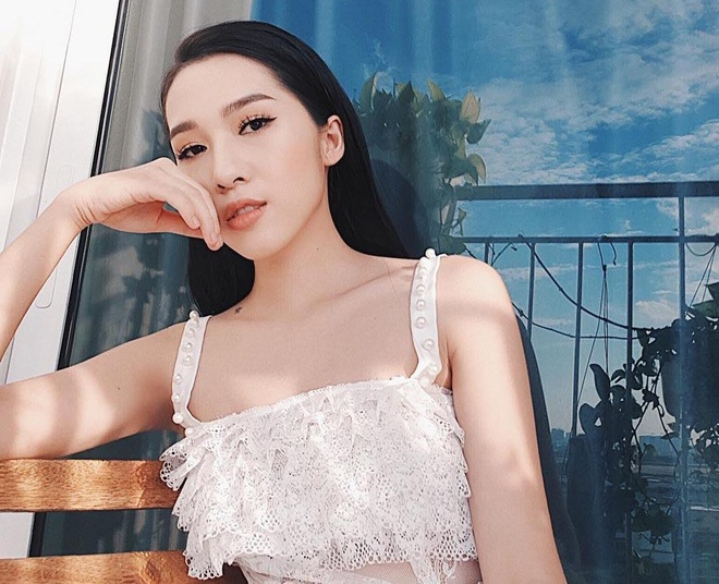 Bon hot girl Viet la me 2 con nhung ngay cang nong bong hinh anh 6