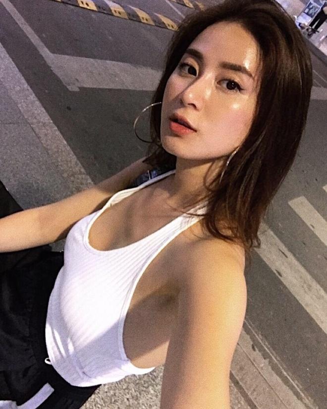 Bon hot girl Viet la me 2 con nhung ngay cang nong bong hinh anh 14