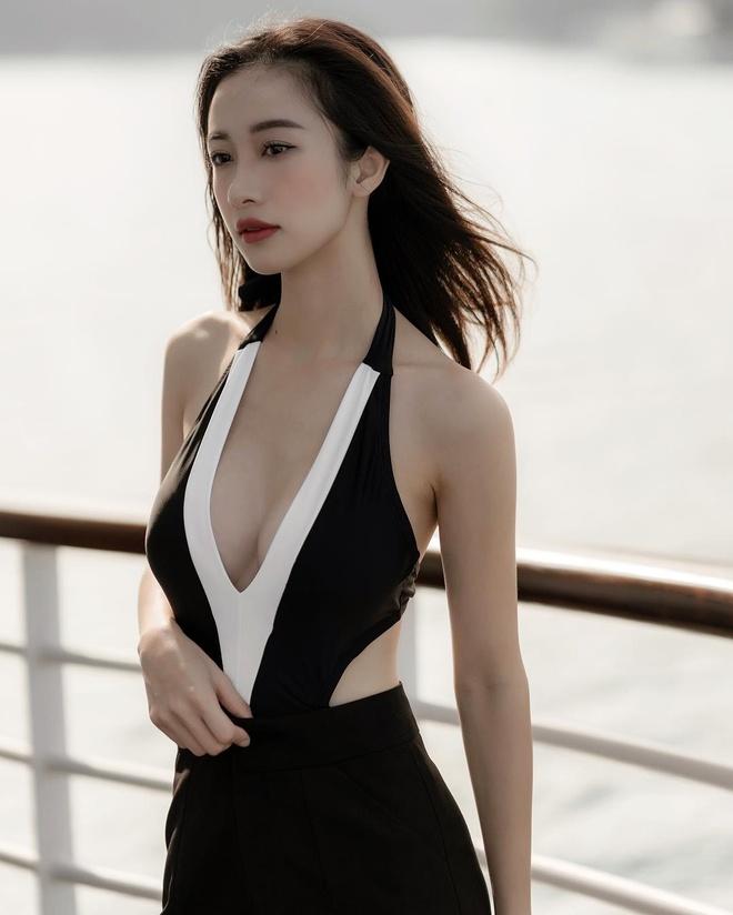 Jun Vu va loat hot girl 'bien hoa' sexy sau khi dinh tin don dao keo hinh anh 2