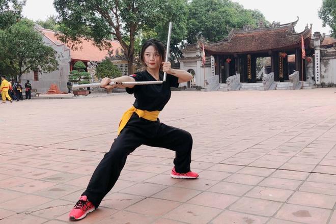 Con gai chuong mon Vinh Xuan va dan hot girl dam me vo thuat hinh anh 9