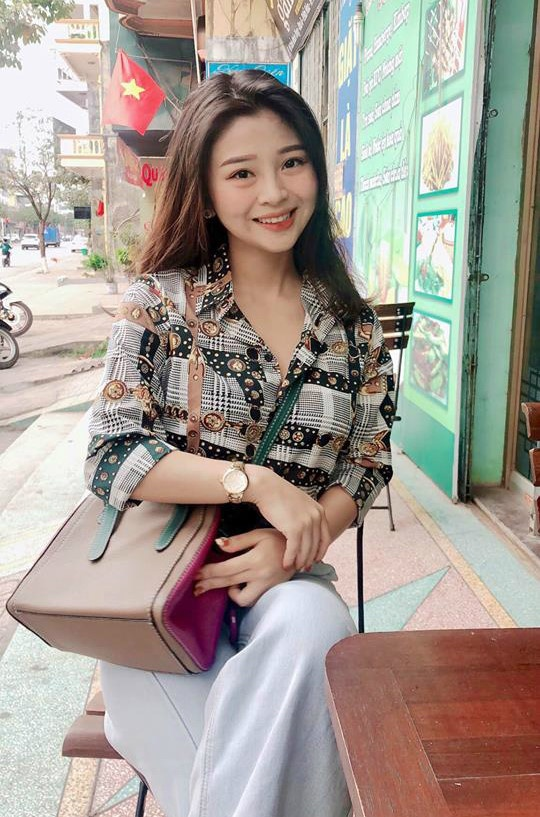 Con gai chuong mon Vinh Xuan va dan hot girl dam me vo thuat hinh anh 11