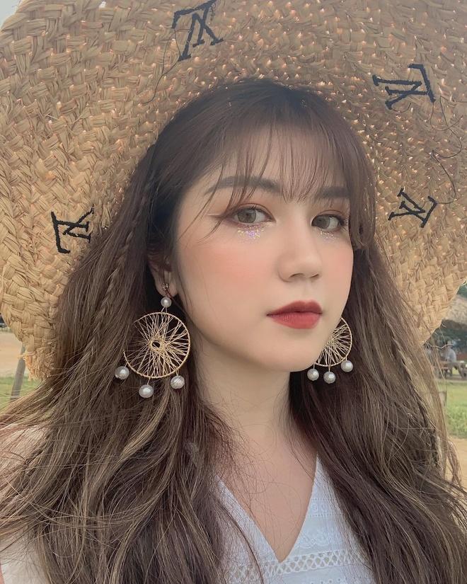 Kieu Trinh Xiu va loat hot girl tung thu suc o linh vuc dien xuat hinh anh 15