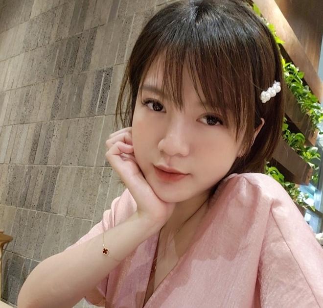 Dan hot girl mang thai lan 2 duoc khen tuoi tan, 'hop mang bau' hinh anh 1