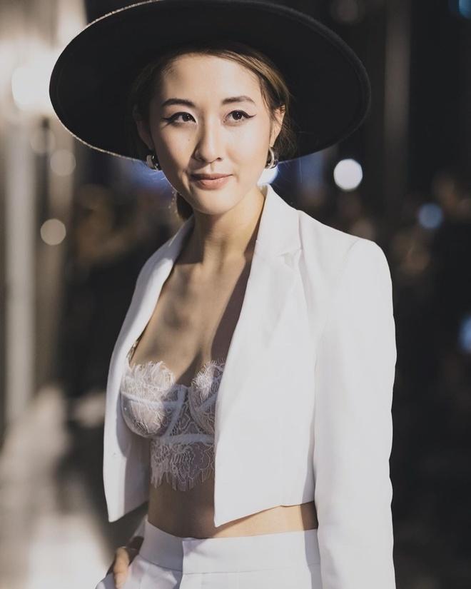 Dan hot girl mang thai lan 2 duoc khen tuoi tan, 'hop mang bau' hinh anh 10