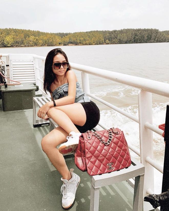 Hau chia tay Huyme, hot girl Truc Anh cham dien bikini khoe voc dang hinh anh 3