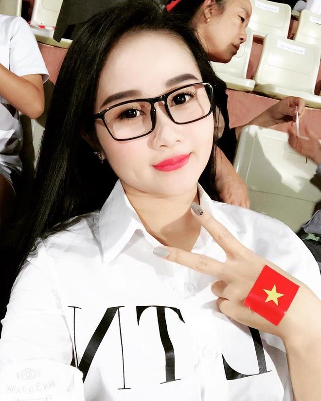 Quang Hai va dan cau thu it nhac chuyen tinh cam tren mang xa hoi hinh anh 9