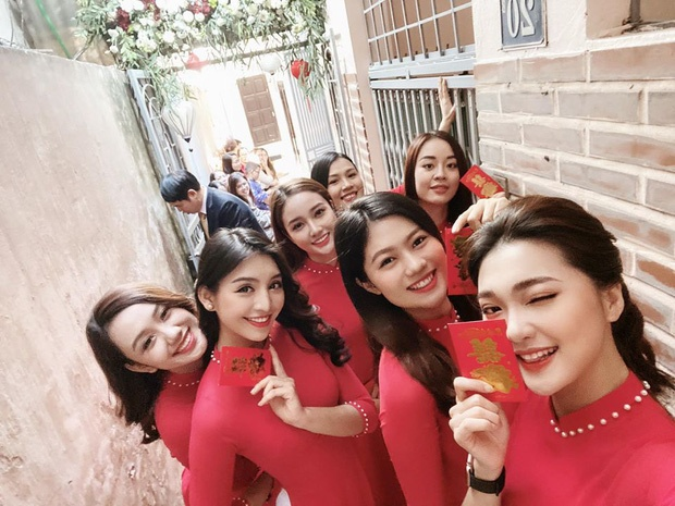 Thu mon Van Bieu dang anh voi ban gai tung thi Miss World Vietnam hinh anh 8 30_158192663238172965624.jpg