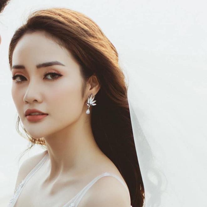 Thu mon Van Bieu dang anh voi ban gai tung thi Miss World Vietnam hinh anh 4 82303827_2533354683651607_1133644596165738496_n.jpg