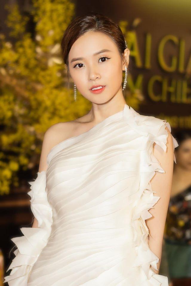MC Hoang Linh, Midu len tieng ve tin co nguoi thu ba xen vao hanh phuc hinh anh 9 82845057_10157752698190967_7050443898786676736_o.jpg