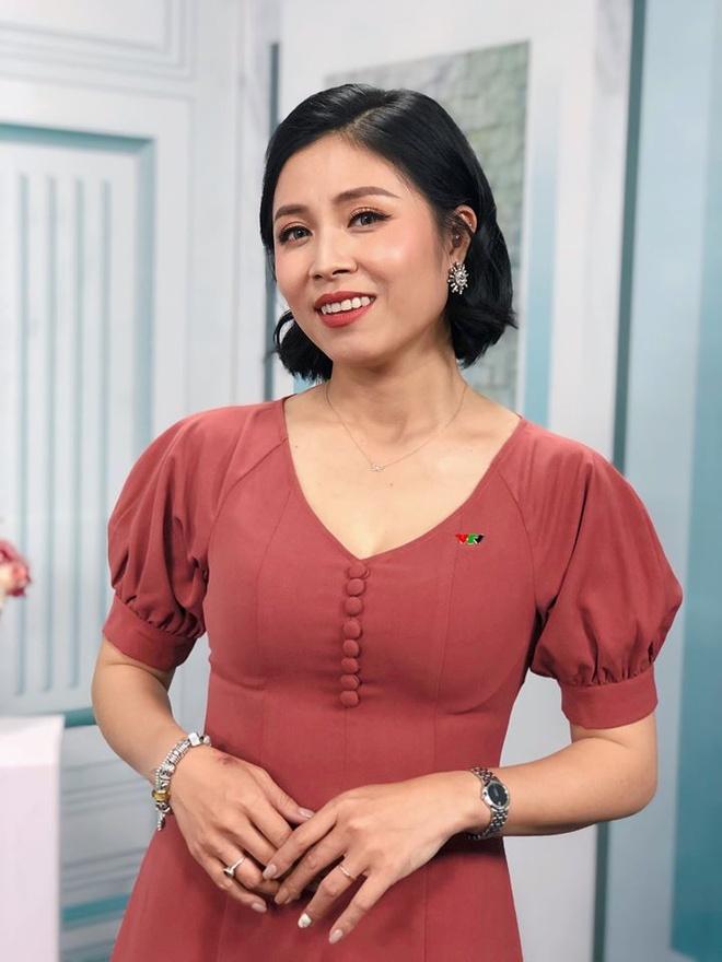 MC Hoang Linh, Midu len tieng ve tin co nguoi thu ba xen vao hanh phuc hinh anh 3 82845728_10221748698406785_8601938926808072192_o.jpg