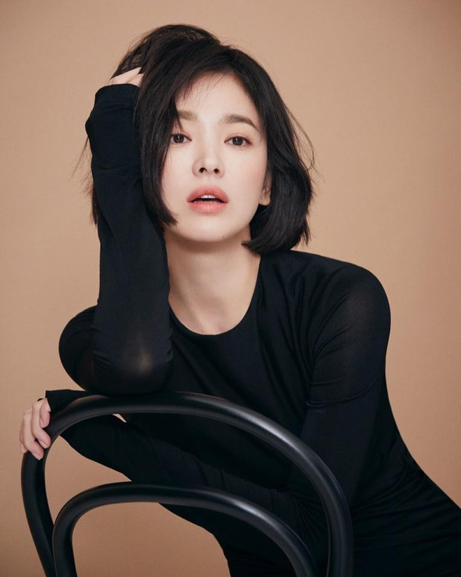 Anh doi thuong cua Song Hye Kyo sau khi tro ve tu tam dich hinh anh 11 kyo1122_49353986_736890430014926_1067786005254588022_n.jpg