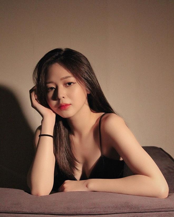 Liz Kim Cuong nghien khoe vong eo con kien hinh anh 2 lizkimcuong93_90309753_140654774114302_448589013420257414_n.jpg