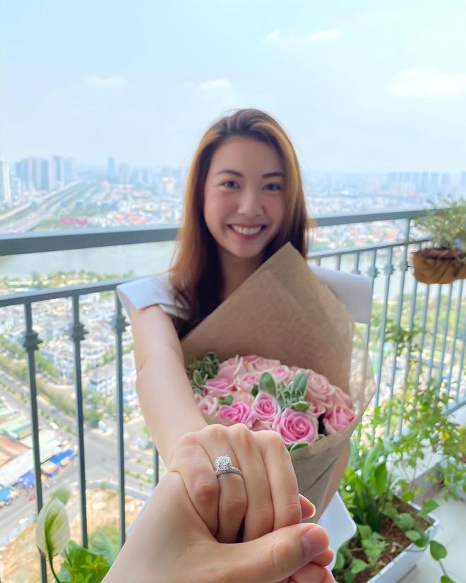 Nhung sao Viet phai hoan cuoi vi dich benh hinh anh 8 phamhongthuyvan_87585110_225623408834748_4387259033505794192_n.jpg Những sao Việt phải hoãn cưới vì dịch bệnh