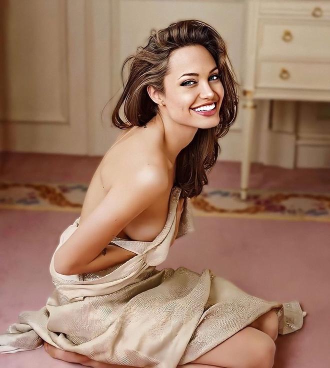 Angelina Jolie hoi be anh 9