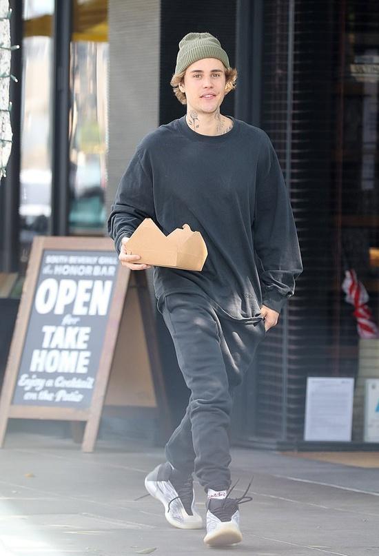 Justin Bieber di xe may anh 1