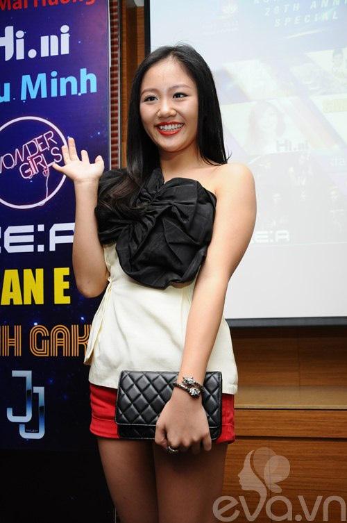 Van Mai Huong 'lot xac' tu phong cach que mua sang goi cam hinh anh 7