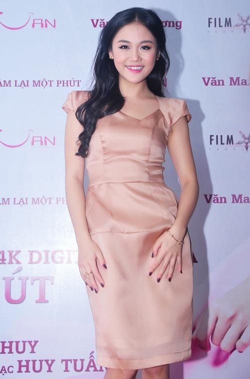 Van Mai Huong 'lot xac' tu phong cach que mua sang goi cam hinh anh 19