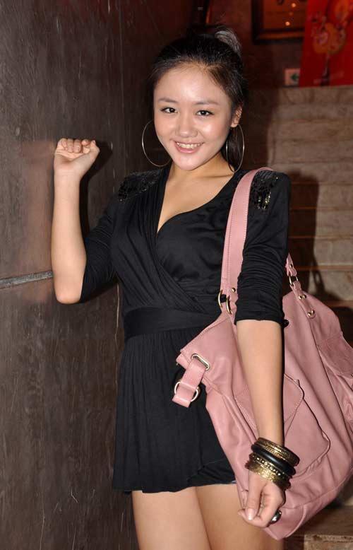 Van Mai Huong 'lot xac' tu phong cach que mua sang goi cam hinh anh 1