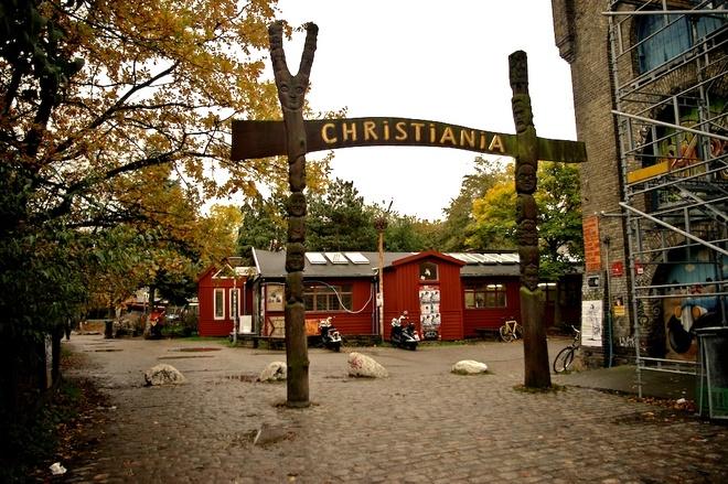 Christiania, khu pho lap di trong long Copenhagen hinh anh