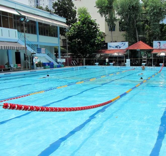 5 ho boi cong cong duoc yeu thich nhat Sai Gon hinh anh 12 4. Hồ bơi Kỳ Đồng. Giữ vị trí thứ 4 trong bảng xếp hạng, hồ bơi Kỳ Đồng có hồ lớn chỉ dài 25m, sâu từ 1,4m đến 2m và hồ bơi dành cho trẻ em. Với mức giá 12.000 đồng/lượt, đây được xem là hồ bơi  giá rẻ nhất trong Top 5.