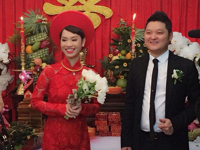 So dang cap vay cuoi cua 5 nang dau xinh dep Vbiz hinh anh 21 3. Trà My Idol. Hôn lễ diễn ra vào tháng 6 của Trà My Idol là một trong những hỷ sự được trông đợi nhất của làng nhạc Việt.