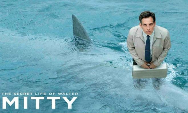 8. The Secret Life of Walter Mitty (Cuộc đời bí mật của Walter Mitty): Bộ phim là câu chuyện thú vị về cuộc đời của nhân vật chính - Walter Mitty, một nhân viên văn phòng mơ mộng, ngơ ngác và luôn là trò cười cho mọi người xung quanh. Anh chàng là một người có những ước mơ vĩ đại nhưng không bao giờ có thể hoàn thành những điều nhỏ nhặt trong cuộc sống hàng ngày.