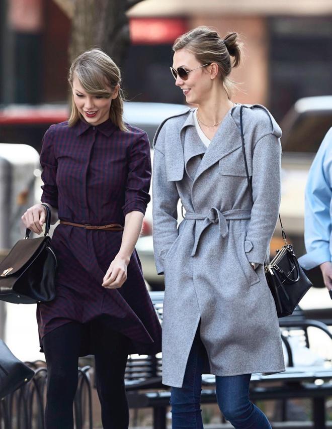 Style tuong dong cua cap doi Taylor Swift - Karlie Kloss hinh anh 8 Thậm chí là các kiểu áo khoác kèm thắt lưng điệu đà.