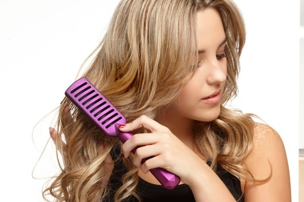 7 sai lầm thường gặp khi chải tóc - Làm đẹp