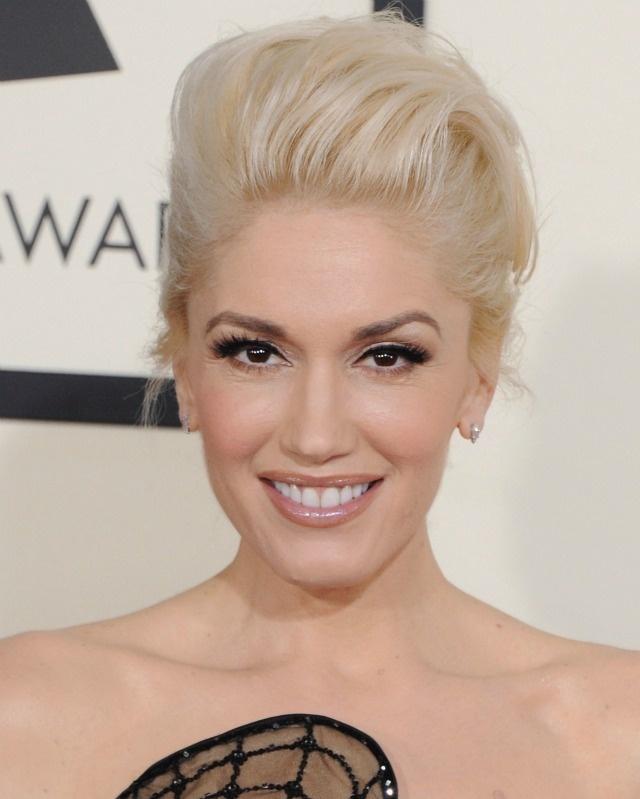 Nhung tham hoa trang diem tai le trao giai Grammy hinh anh 2 Gwen Stefani