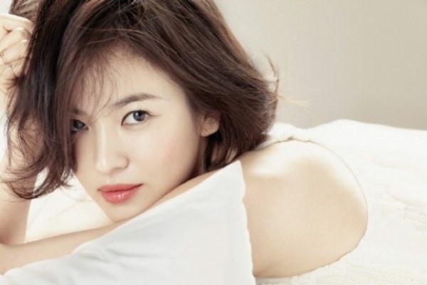 5 kieu toc dep, nu tinh cua Song Hye Kyo hinh anh