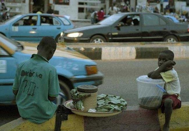 Nguyen nhan cua can benh giet nguoi trong 24h hinh anh 1 Căn bệnh lạ ở Nigeria khiến 18 người tử vong trong vòng 24h. Ảnh: AFP.