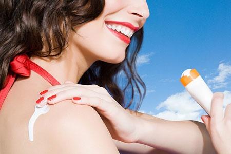 8 sai lam pho bien khi su dung kem chong nang hinh anh