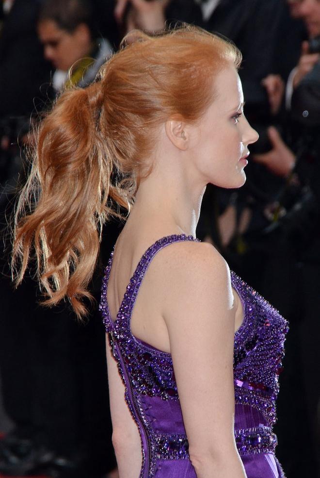 Sao Hollywood tranh nang nong voi toc duoi ngua hinh anh 8 Jessica-Chastain